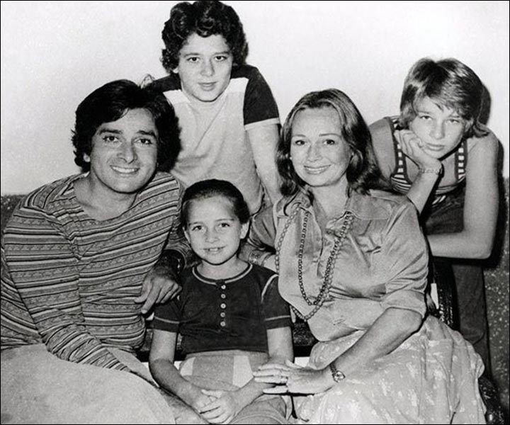 Shashi Kapoor's Marriage - Shashi And Jennifer With Kids Kunal, Karan And Sanjana
