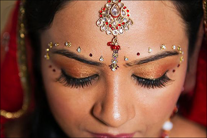 Bridal Bindi Designs - Paisley Inspired Design