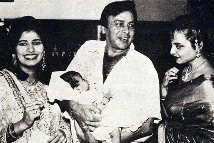 Vinod Mehra's Marriage - Vinod Mehra With Kiran And Son Rohan, And Rekha