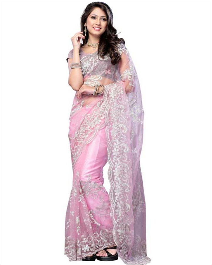 Wear-The-Accessories-Wisely-net-saree-drapping