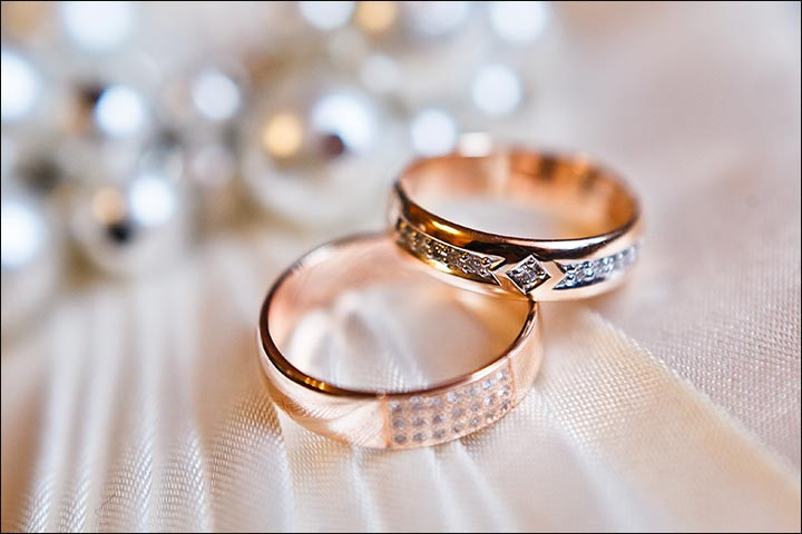 Beauty-Of-Traditions-how-to-wear-a-wedding-ring