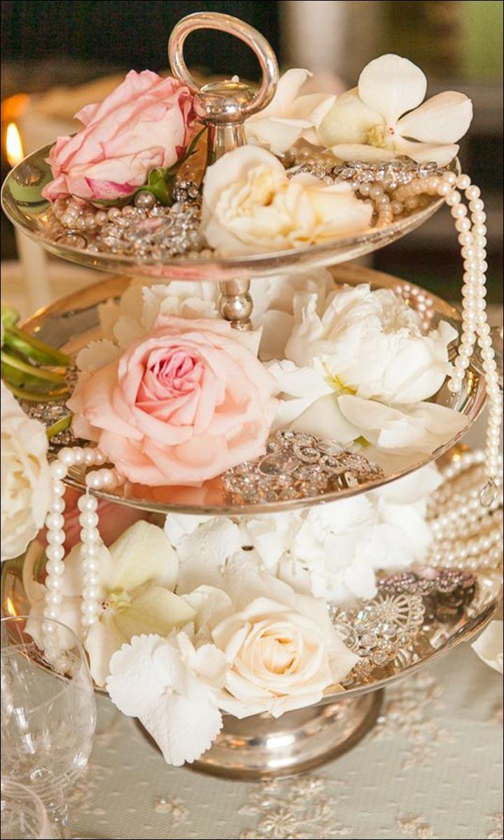 The-Vintage-Centerpiece-great wedding centerpieces