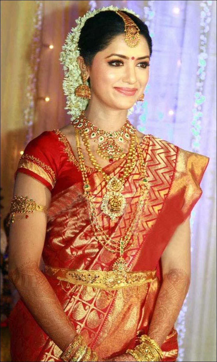 Traditional-South-Indian-Bride-different indian bridal looks