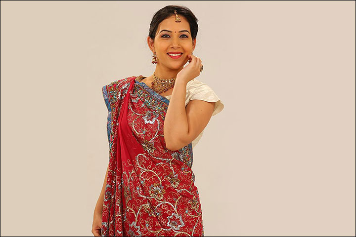 6366e78f60bf6a How To Wear A Gujarati Saree In 6 Easy Steps