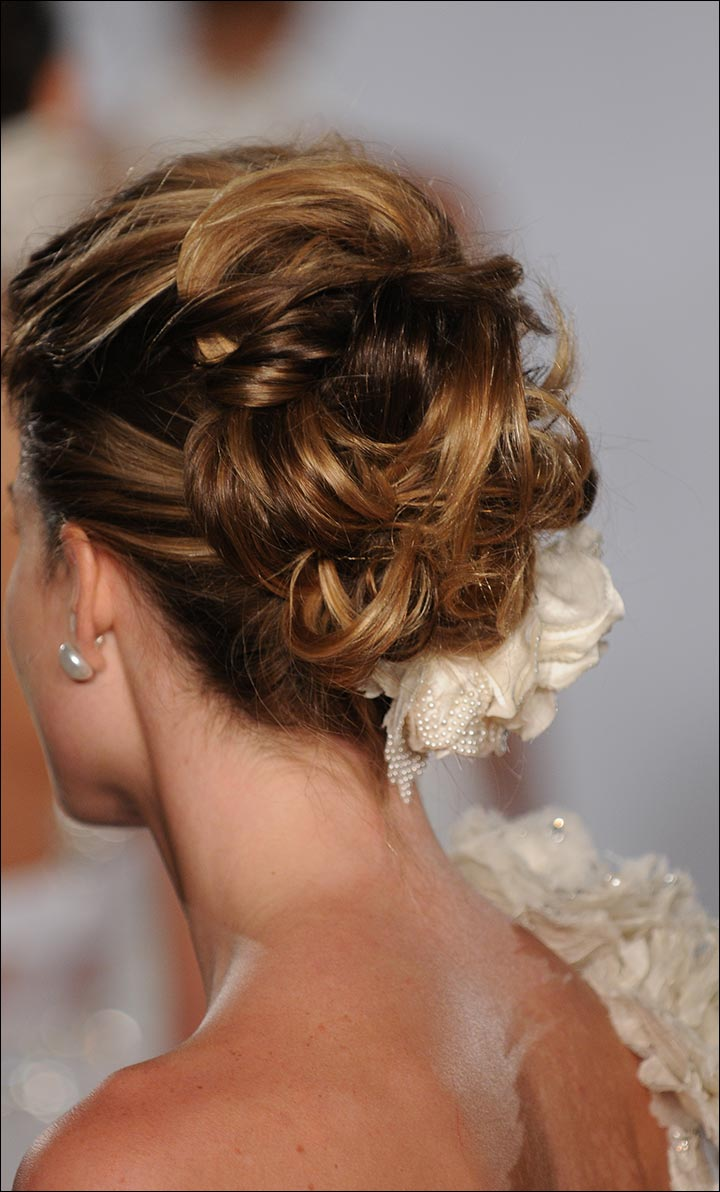 Lacy-Bun-romantic-wedding-hairstyles