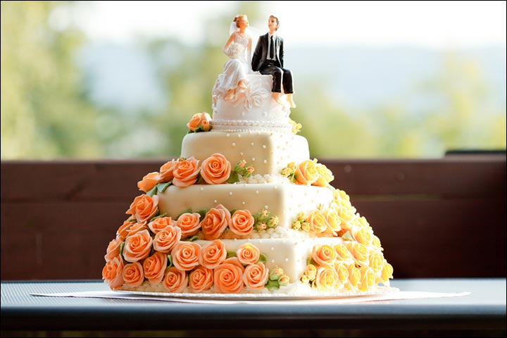 Select-The-Size-Accordingly--How-to- Choose-a- Wedding-Cake