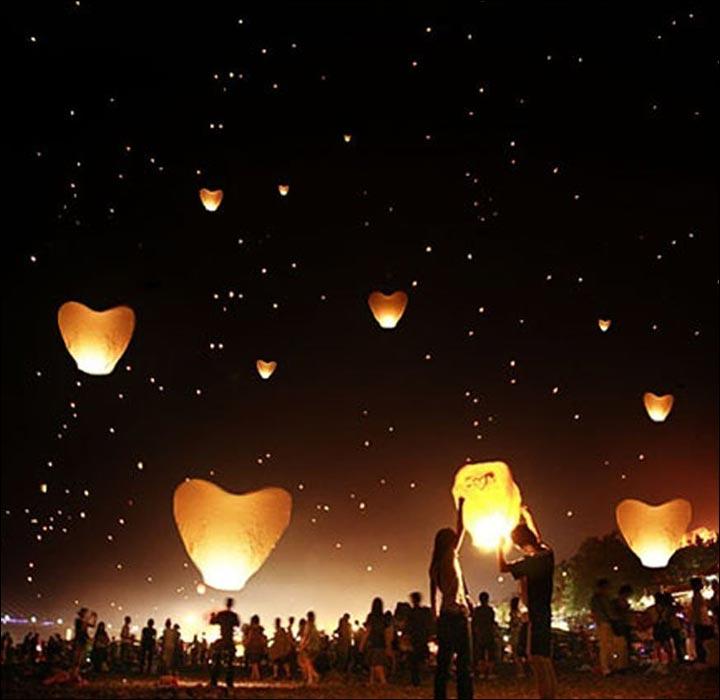 Sky-Lanterns--Personalize-Your- Wedding- Ceremony