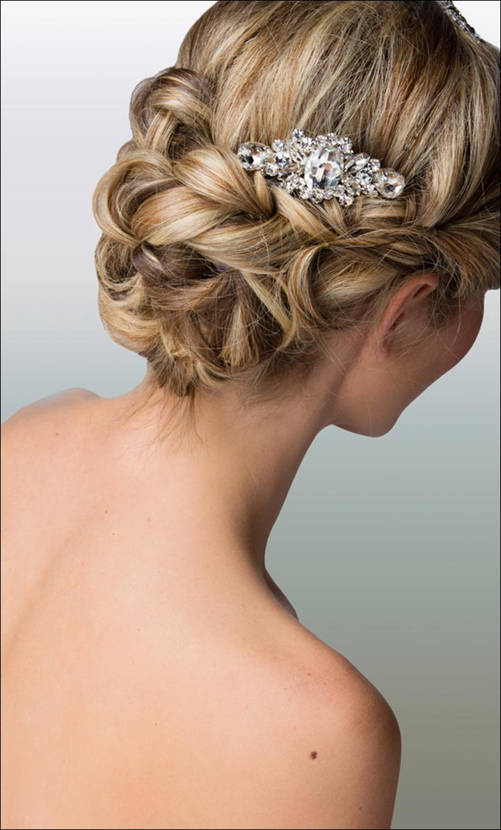 23 evergreen romantic bridal hairstyles. Black Bedroom Furniture Sets. Home Design Ideas