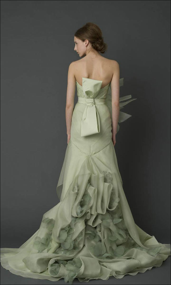 Say yes to the colored dress 9 spectacularly colorful for Green beach wedding dresses