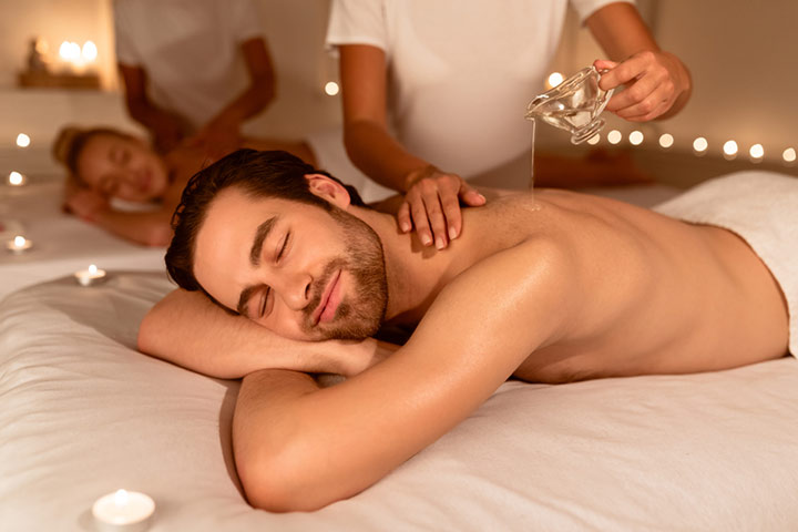 Go For A Relaxing Ayurvedic Couple's Spa